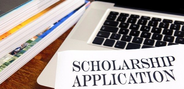 Scholarships For Older Women Returning To College
